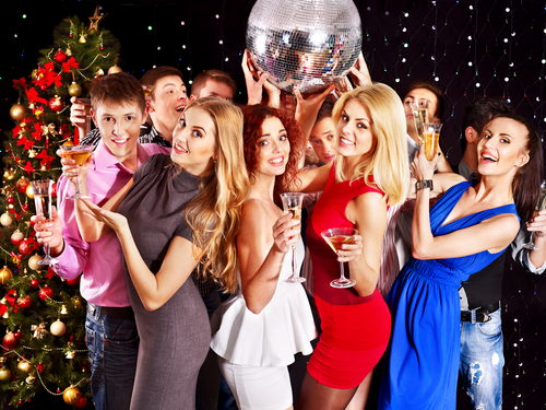 Best Christmas Party Games, best christmas party ideas, best christmas games, best office party games, best bridal shower games, best christmas trivia, office christmas party games, free christmas party games, christmas party games for work,