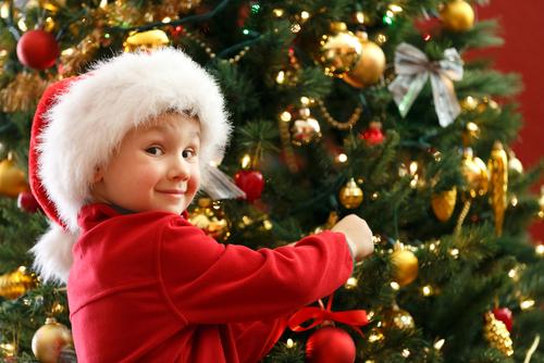 Decorating an Elegant Christmas Tree