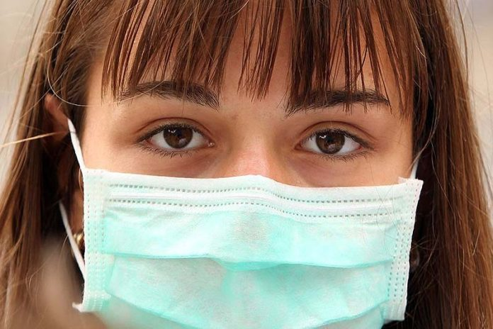 Swine flu symptoms and signs you MUST be aware of!, swine flu treatment, swine flu causes, swine flu prevention, swine flu symptoms 2016, swine flu symptoms first signs, swine flu vaccine, swine flu treatment at home, symptoms of swine flu in adults, swine flu symptoms in children, h1n1 symptoms first signs, how long does swine flu last,