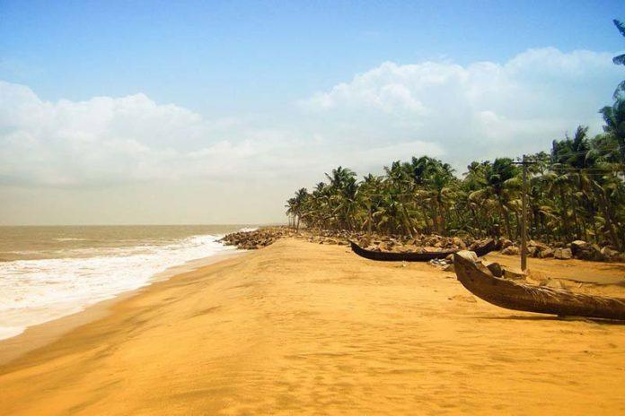 Wonderful yet Lesser Known Beaches of Kerala, most beautiful beach in kerala, kerala beaches resorts, kerala beaches photos, best beaches in kerala for swimming, kovalam india beach, kerala beaches honeymoon, alleppey india beach, varkala india beach, kannur india beach, mararikulam beach,