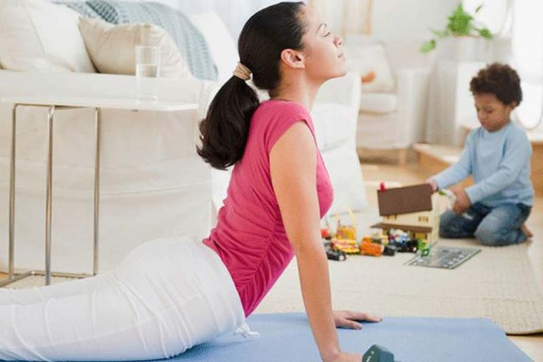 Top 3 at-home Exercise Routine for Busy Moms, home exercise routine for beginners, busy mom workout schedule, workouts for moms with toddlers, working mom workout schedule, stay at home mom workout schedule, home exercise routine for weight loss, stay at home mom exercise and weight loss, easy workout routine at home, 15 minute workout for busy moms,
