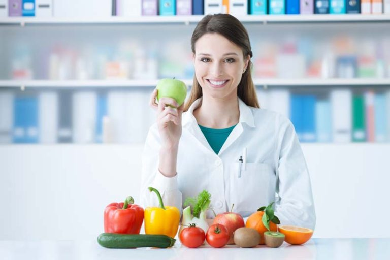 Why Working with a Dietitian can be Beneficial, seeing a dietitian for weight loss, benefits of visiting a nutritionist, benefits of being a nutritionist, nutritionist job benefits, reasons to see a nutritionist, salary of nutritionist in india, nutrition and dietetics jobs salary, starting salary for a nutritionist,