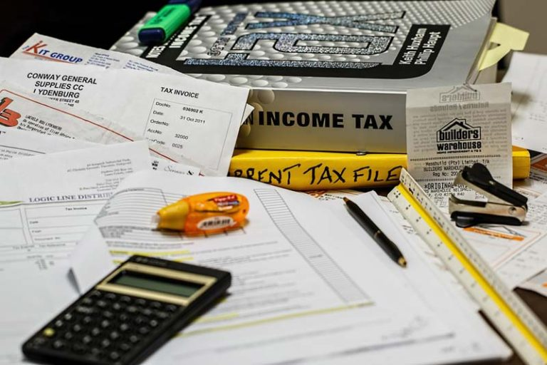 Smart Ways on How to Manage Your Tax, smart ways to spend your tax refund, fun ways to spend your tax refund, how to use tax refund wisely, how to double my tax refund, how to flip your tax money, fun things to do with tax return, best way to use tax refund, save your tax refund,