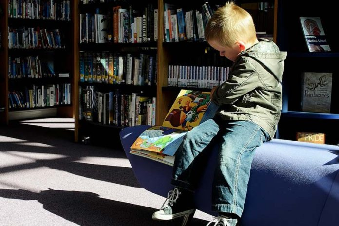 The Best Ways To Keep Little Kids Engaged Inside, how to keep 5 year old busy, activities to keep preschoolers busy, how to keep 8 year old busy, how to keep a 3 year old busy at home, how to keep 2 year old busy at home, how to keep single child busy, how to keep 10 year olds busy, how to keep a 5 year old entertained,