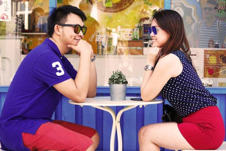 5 Effortless Ways to Build Attraction on a First Date, tips for a first date for ladies, first date tips for guys, first date conversation tips, tips for first date after meeting online, how to have a successful first date with a man, first date tips for teenage girl, first date flirting tips, first date kiss tips,