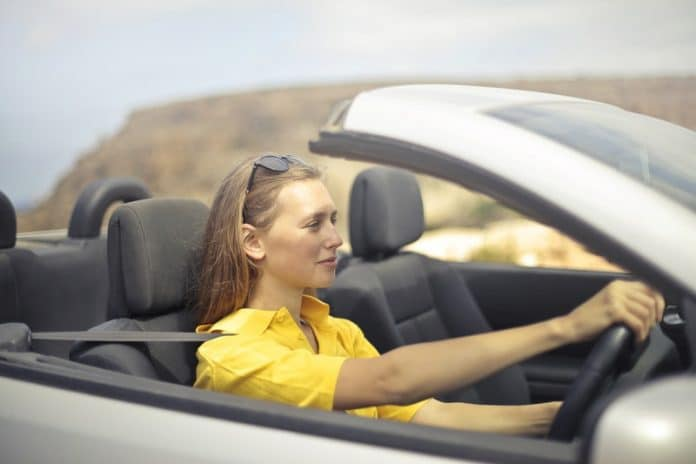 Distracted Driving Hinders Female Driving Safety