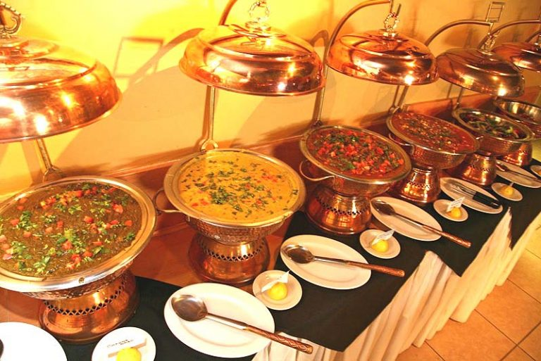 How to Create the Perfect Indian Wedding Menu (That Pleases Everyone)