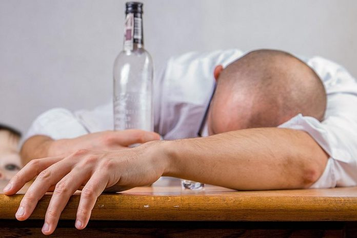 6 Common Characteristics of Addiction : Is My Loved One an Addict?