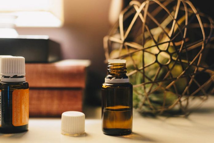 Scented Oil 101: How Aromatherapy Works