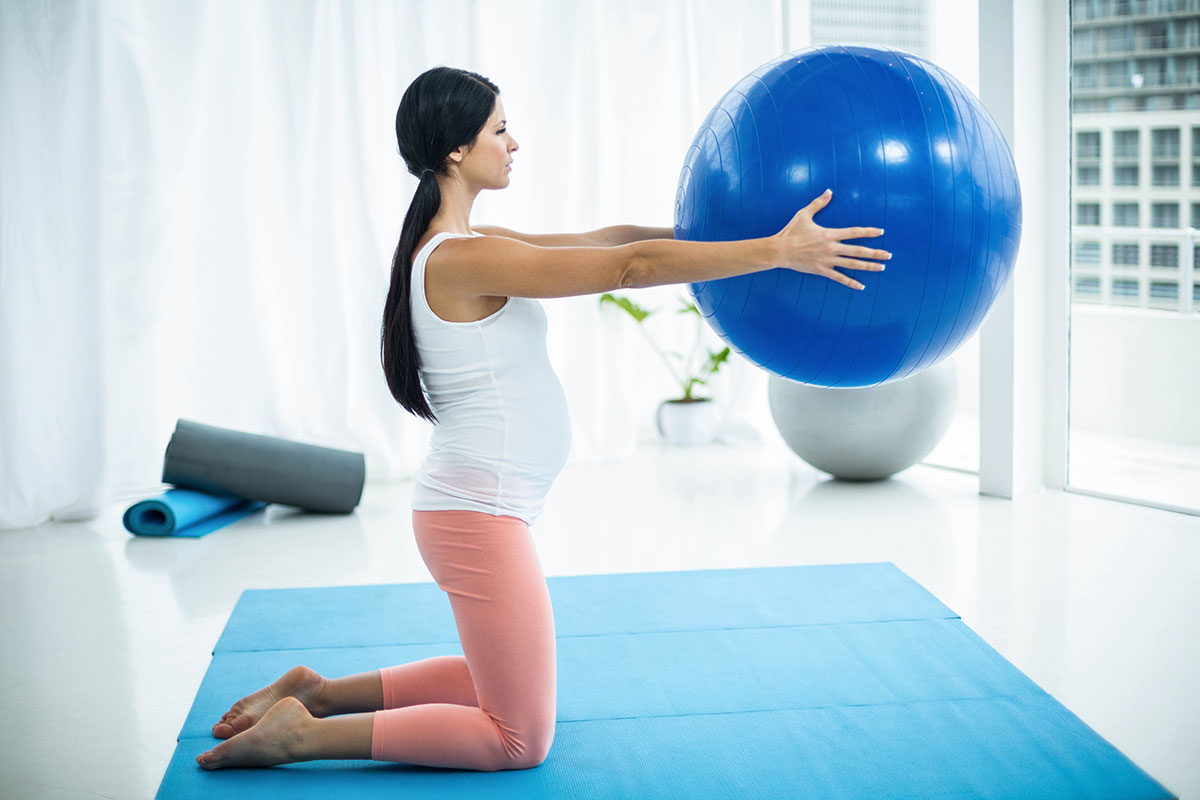 How to Use Exercise Ball During Pregnancy