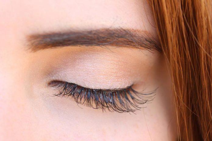 How To Grow Eyelashes With Bimatoprost