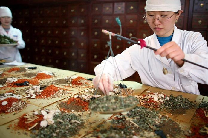 Traditional Chinese Medicine - How Doctors Incorporate It Into Modern Practice