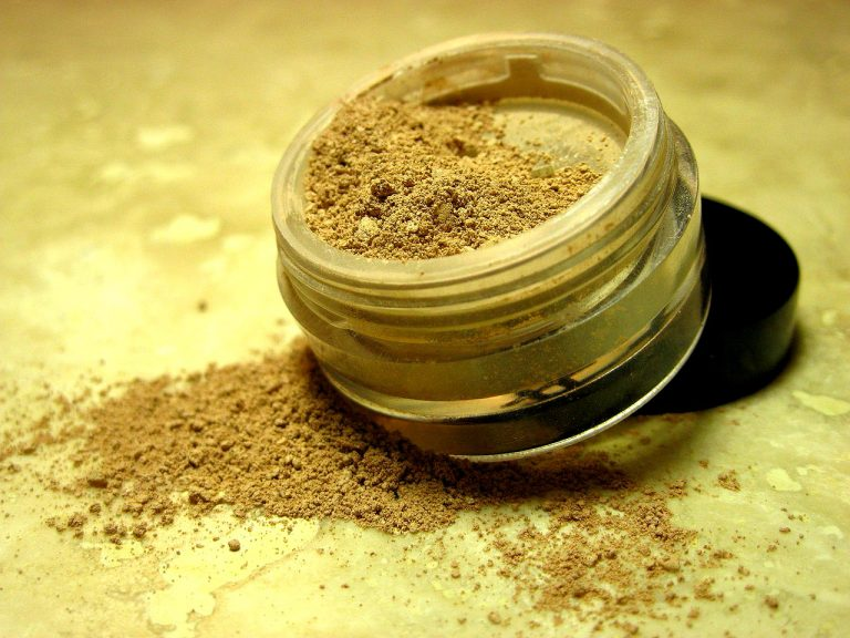 5 Tips When Choosing the Right Mineral Foundation