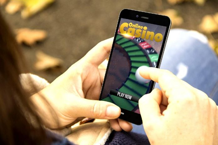 Why Do More Women Than Men Play Online Casino?