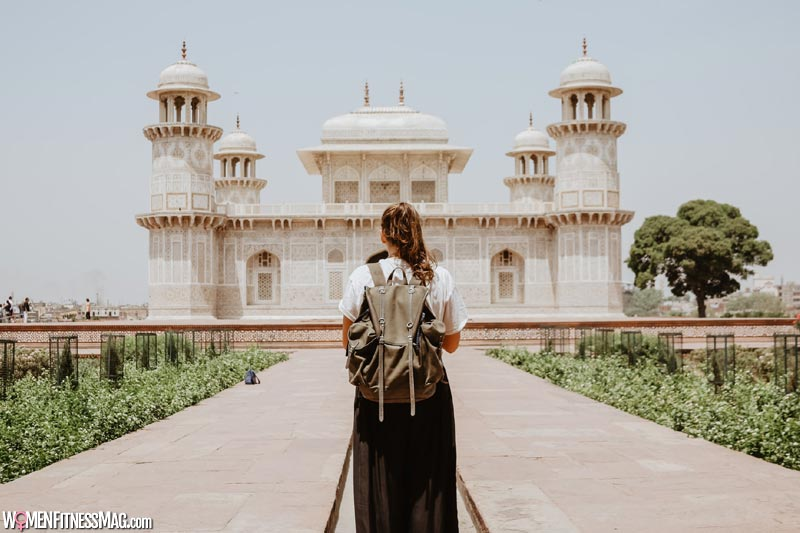 Sightseeing in Agra