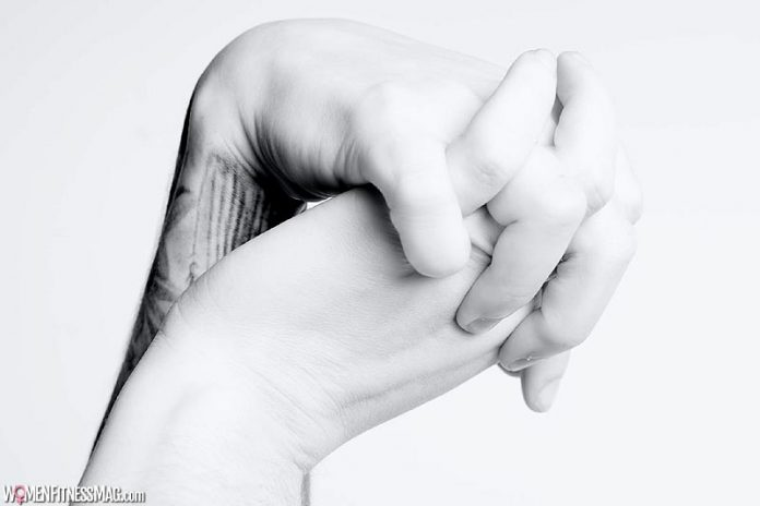 The Benefits Of A Hand Massage And How To Do It Yourself