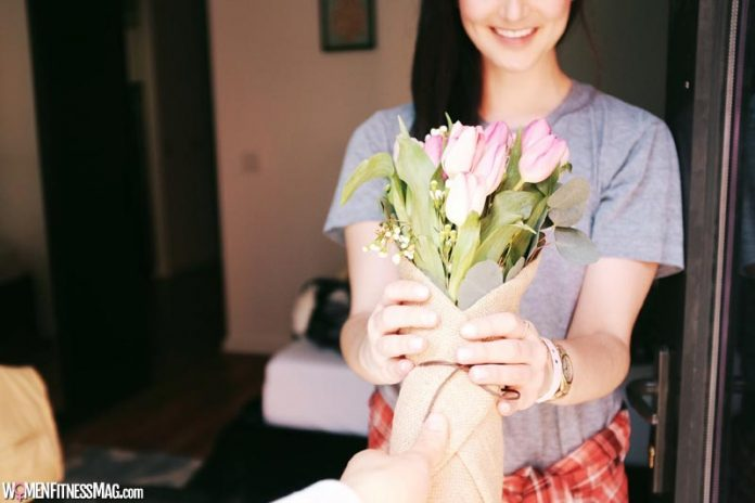 What Are Some Valentine's Romantic Gifts For Girlfriend?
