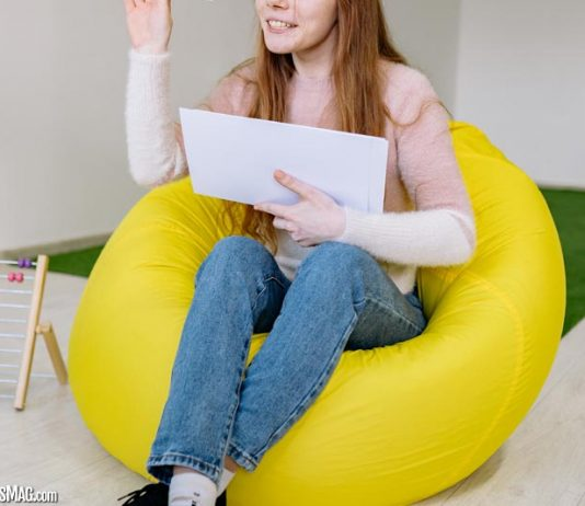 Factors to Consider While Buying Big Bean Bag Chairs