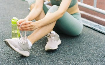 7 Factors to Consider When Choosing Athletic Shoes